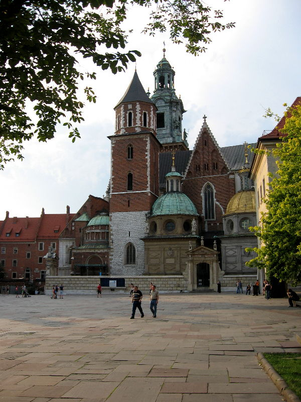 http://mykolanovik.com/photos/080703-080712-poland/krakow/krakow1_800.jpg